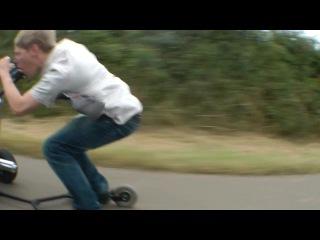 Детская коляска с мотором